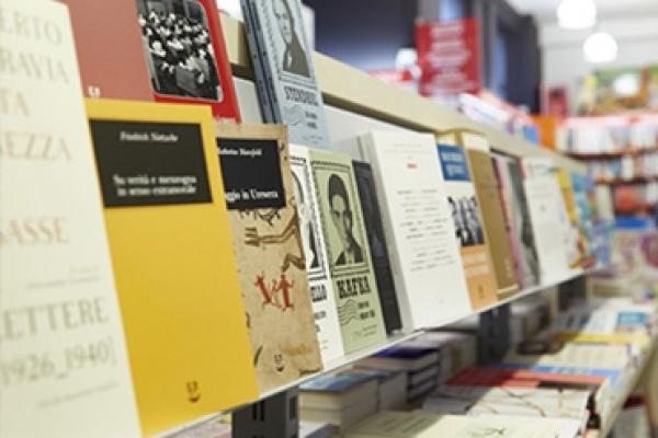libreria15097D5B7-31A3-B871-2112-7482F983706C.jpg